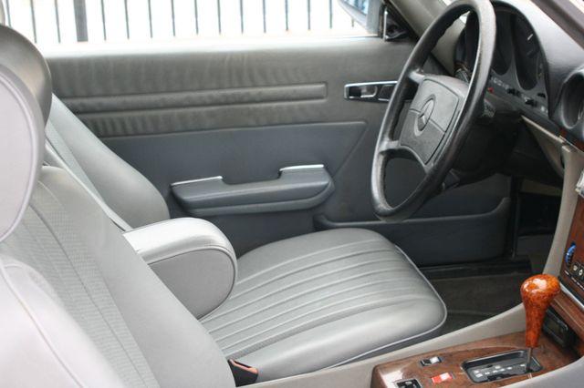 1986 Mercedes-Benz 560SL Houston, Texas 18