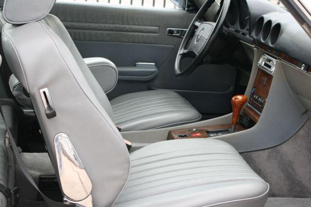 1986 Mercedes-Benz 560SL Houston, Texas 19