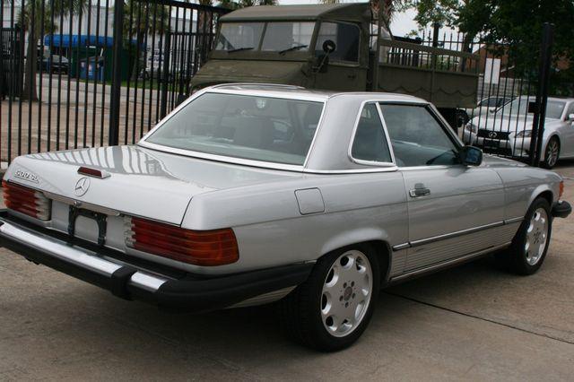 1986 Mercedes-Benz 560SL Houston, Texas 2