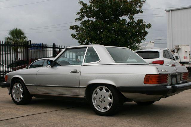 1986 Mercedes-Benz 560SL Houston, Texas 5