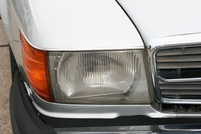 1986 Mercedes-Benz 560SL Houston, Texas 8