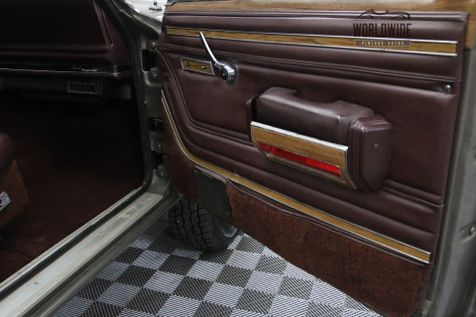 1987 Jeep GRAND WAGONEER NEW V8 AUTO AC | Denver, Colorado | Worldwide Vintage Autos in Denver, Colorado