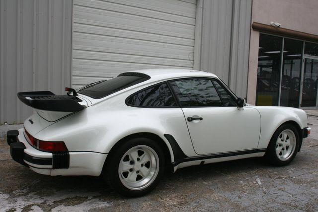 1987 Porsche 911 Carrera Very Rare Wide Body Houston, Texas 3