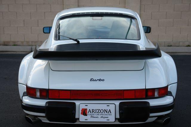 1987 Porsche 911 Carrera 22
