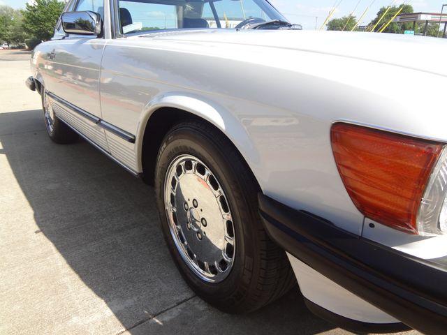 1988 Mercedes-Benz 560 Series 560SL Austin , Texas 17