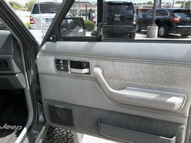 1989 Jeep Cherokee Laredo San Antonio, Texas 14