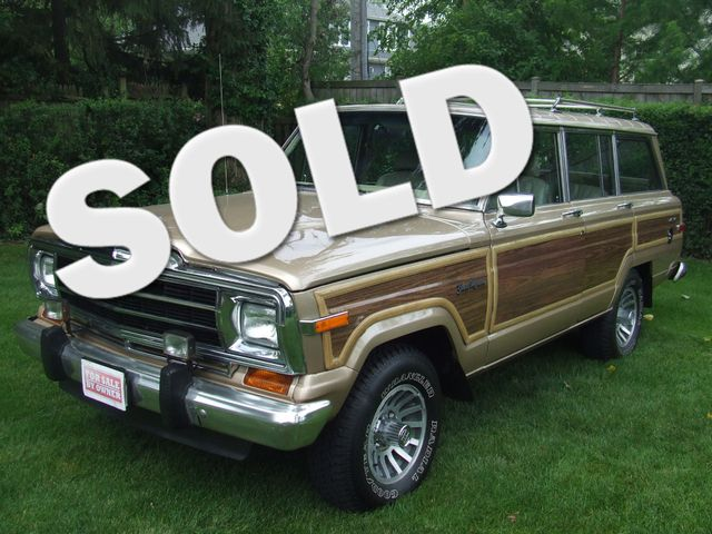1990 Jeep Grand Wagoneer  | Mokena, Illinois | Classic Cars America LLC in Mokena Illinois