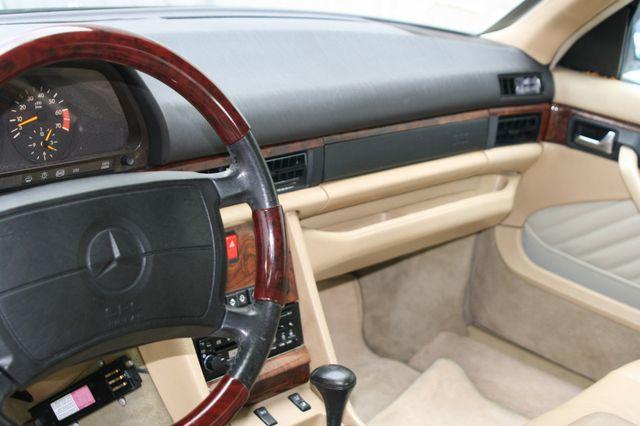 1990 Mercedes-Benz 560 Series 560SEC Houston, Texas 10
