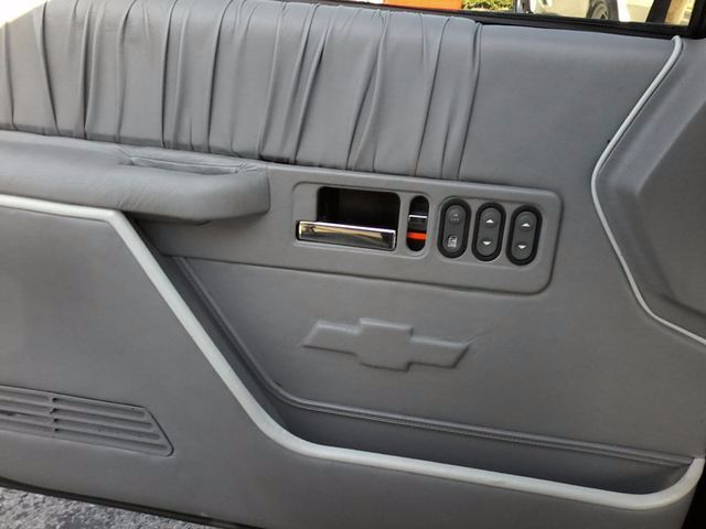 1991 GMC 1500 Pickups Restro Mod LS1 V8 San Antonio, Texas 10