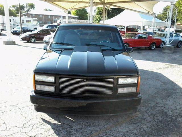 1991 GMC 1500 Pickups Restro Mod LS1 V8 San Antonio, Texas 3