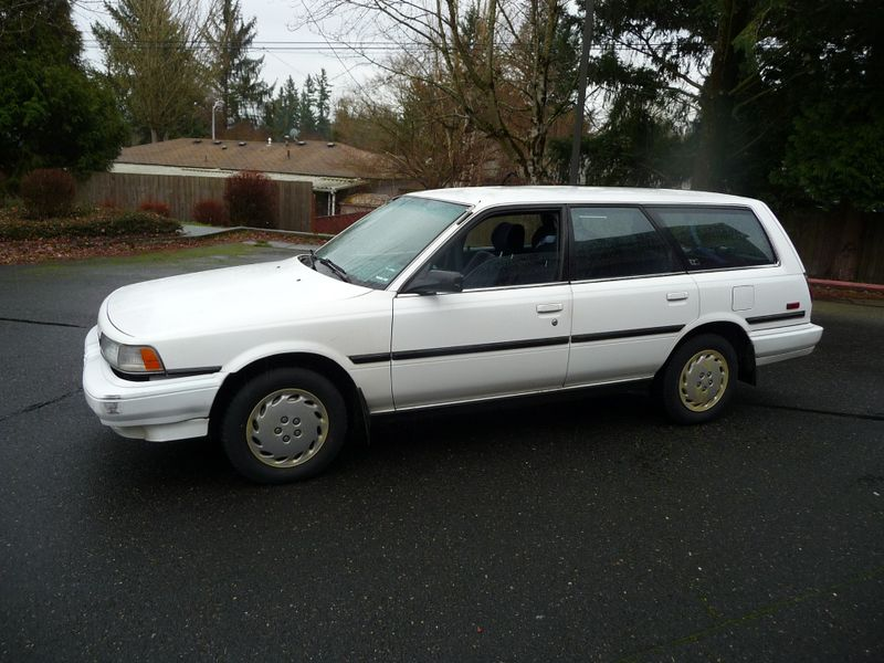 1991 Toyota Camry DLX | Portland, OR | Price is Right Oregon in Portland OR