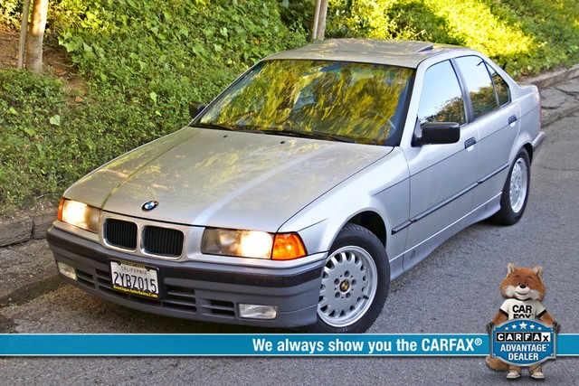 1992 BMW 3 Series 325i SEDAN ONLY 67K ORIGINAL MLS AUTOMATIC Woodland Hills, CA 0