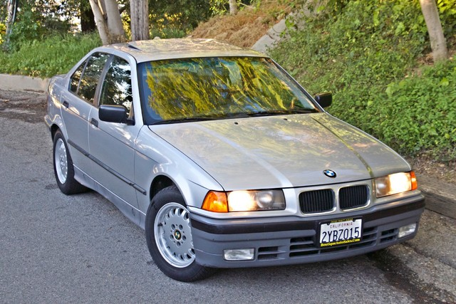 1992 BMW 3 Series 325i SEDAN ONLY 67K ORIGINAL MLS AUTOMATIC Woodland Hills, CA 4