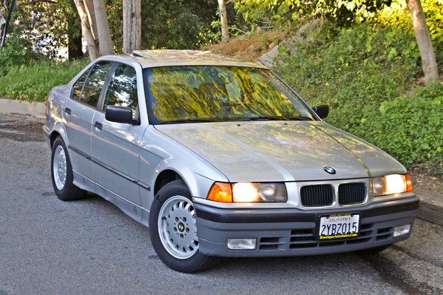1992 BMW 3 Series 325i SEDAN ONLY 67K ORIGINAL MLS AUTOMATIC Woodland Hills, CA 6