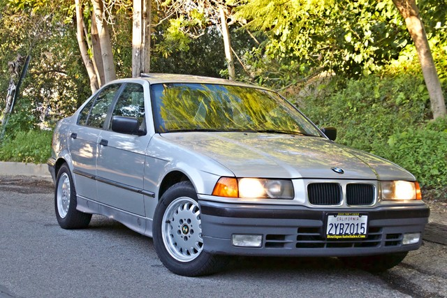 1992 BMW 3 Series 325i SEDAN ONLY 67K ORIGINAL MLS AUTOMATIC Woodland Hills, CA 5