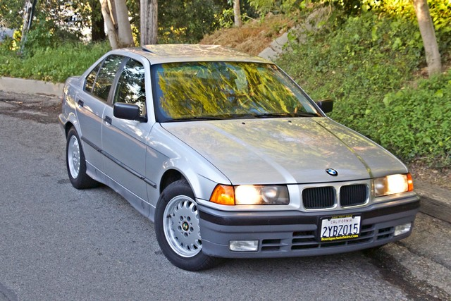 1992 BMW 3 Series 325i SEDAN ONLY 67K ORIGINAL MLS AUTOMATIC Woodland Hills, CA 41