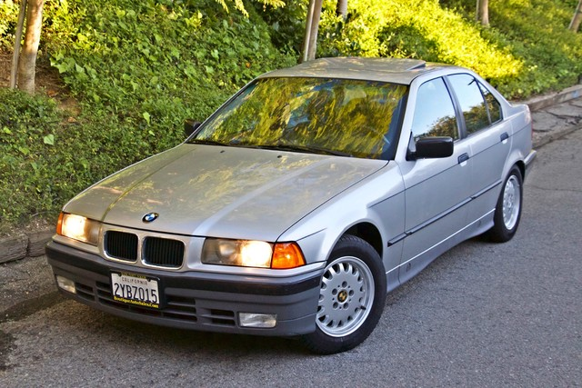 1992 BMW 3 Series 325i SEDAN ONLY 67K ORIGINAL MLS AUTOMATIC Woodland Hills, CA 44
