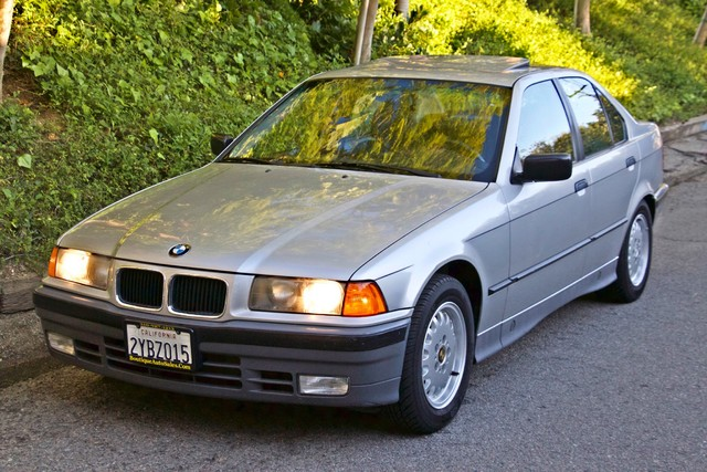 1992 BMW 3 Series 325i SEDAN ONLY 67K ORIGINAL MLS AUTOMATIC Woodland Hills, CA 51