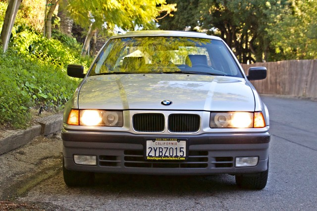 1992 BMW 3 Series 325i SEDAN ONLY 67K ORIGINAL MLS AUTOMATIC Woodland Hills, CA 3