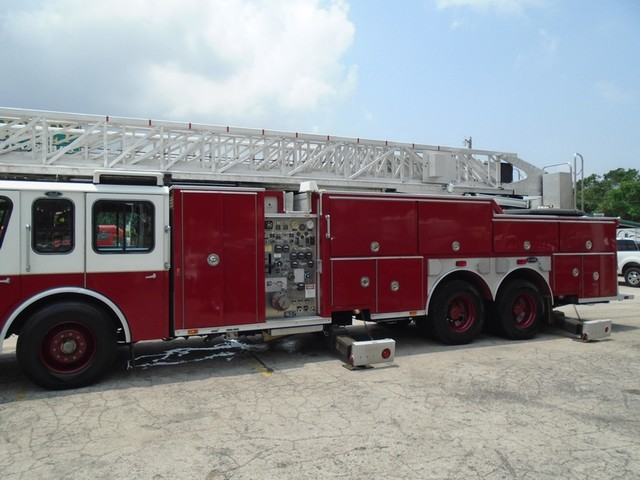1992 E-One /Hush Qunit 110FT LADDER /PUMPER 4DR HURRICANE San Antonio, Texas 1