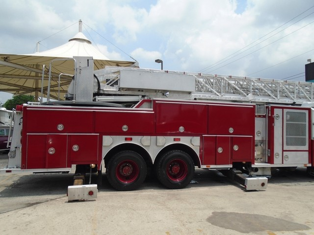 1992 E-One /Hush Qunit 110FT LADDER /PUMPER 4DR HURRICANE San Antonio, Texas 7