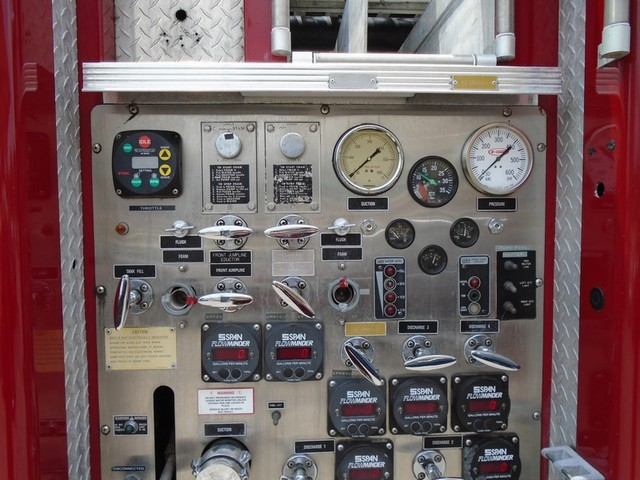 1992 E-One /Hush Qunit 110FT LADDER /PUMPER 4DR HURRICANE San Antonio, Texas 32