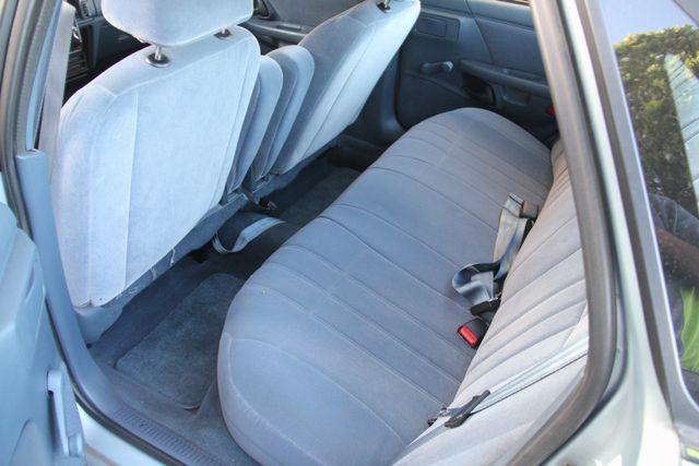 1993 Ford Taurus GL Santa Clarita, CA 14
