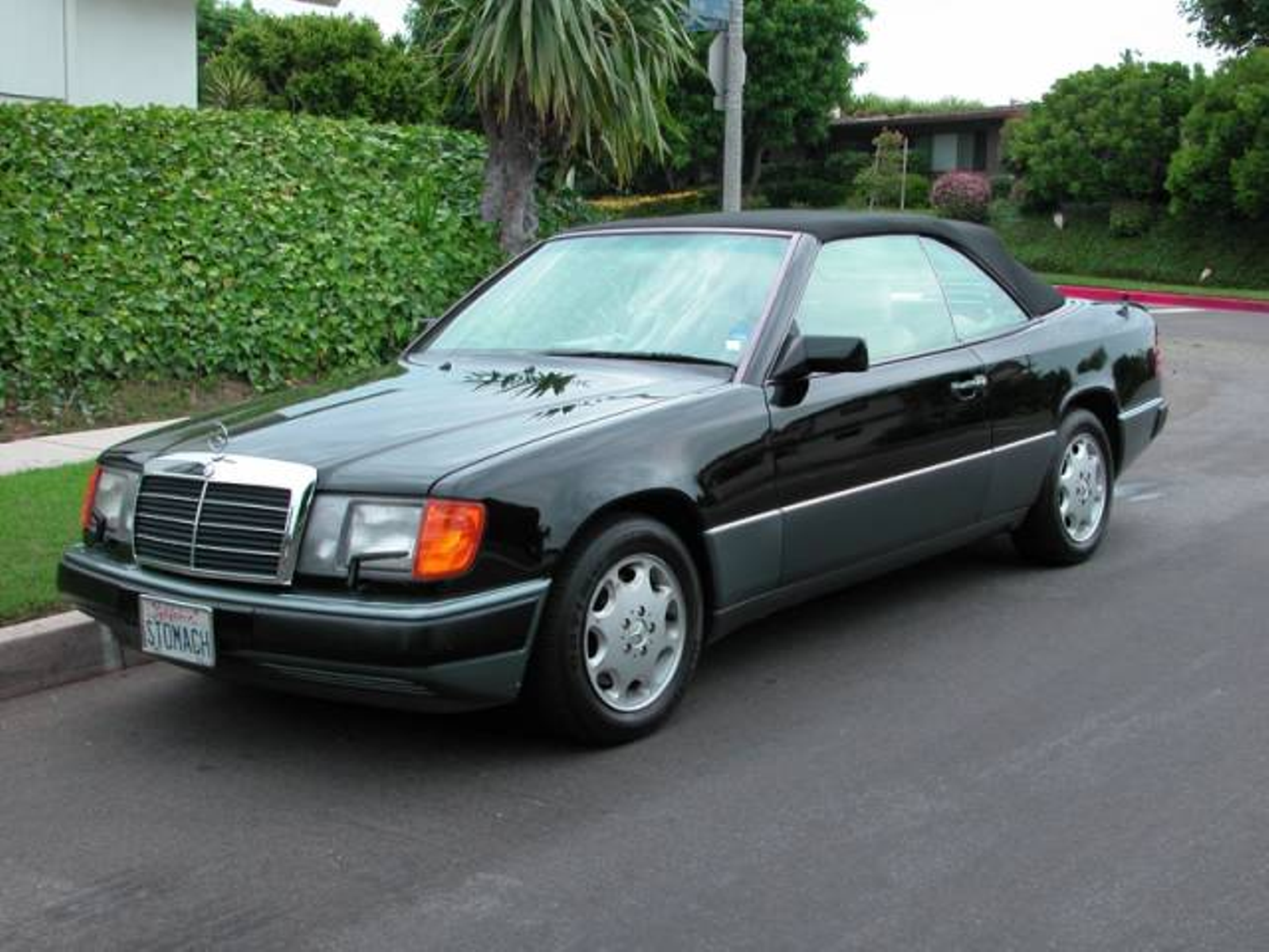 1993 mercedes benz 300 series cabriolet 300ce low miles for Mercedes benz monterey ca