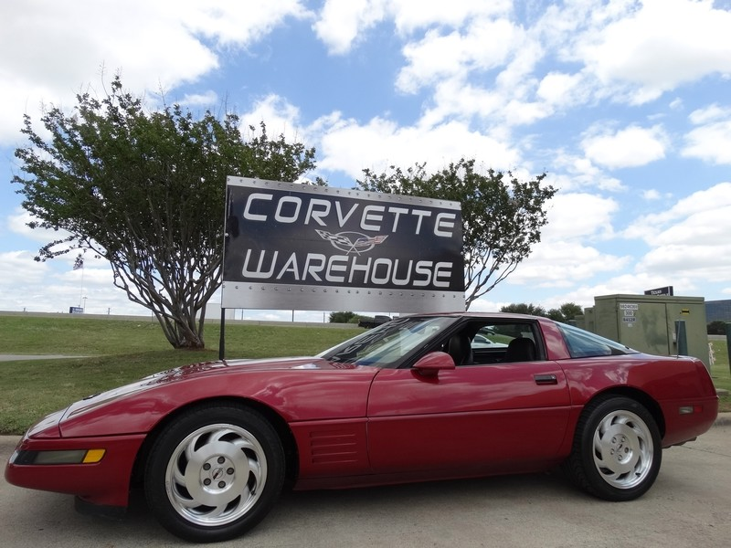 1994 Chevrolet Corvette Coupe 6 Speed, Alloy Wheels!