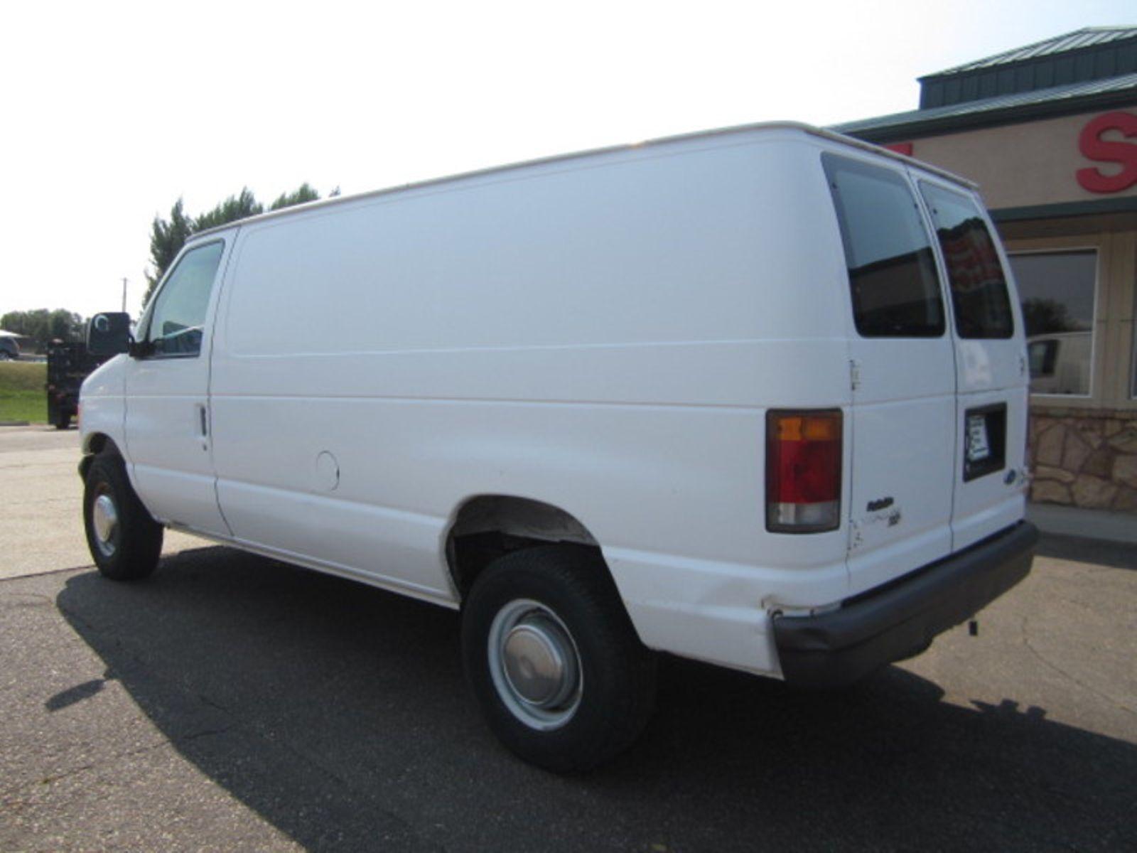 1994 Ford Econoline Cargo Van Cargo Glendive MT Glendive Sales Corp