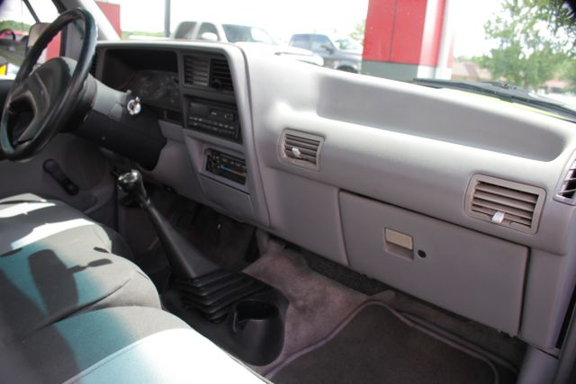 1994 Ford Ranger XLT Reg Cab RWD - ONE OWNER - 5SP MANUAL! Mooresville , NC 11