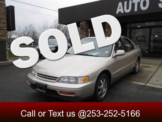 1994 Honda Accord EX The CARFAX Buy Back Guarantee that comes with this vehicle means that you can