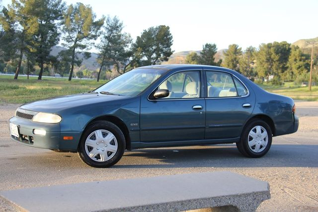1994 Nissan Altima GLE Santa Clarita, CA 1