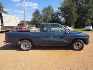 1994 Nissan Trucks 2WD XE Houston, Mississippi 3