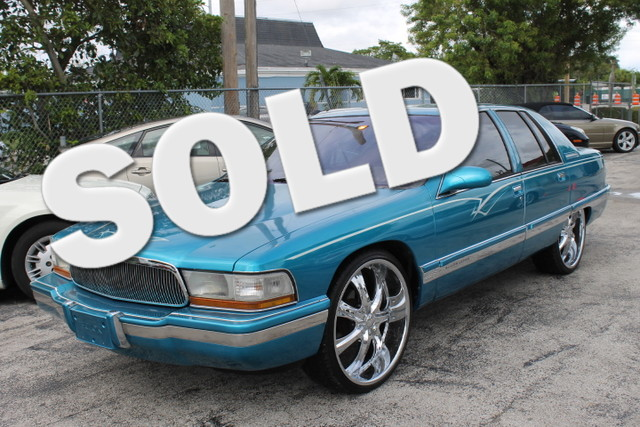 1995 Buick Roadmaster  THOUSANDS SPENT ON CUSTOMIZATION CARFAX CERTIFIED AUTOCHECK CERTIFIED