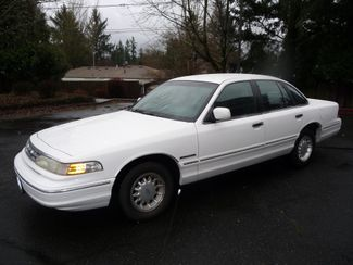 1995 Ford Crown Victoria LX | Portland, OR | Price is Right Oregon in Portland OR