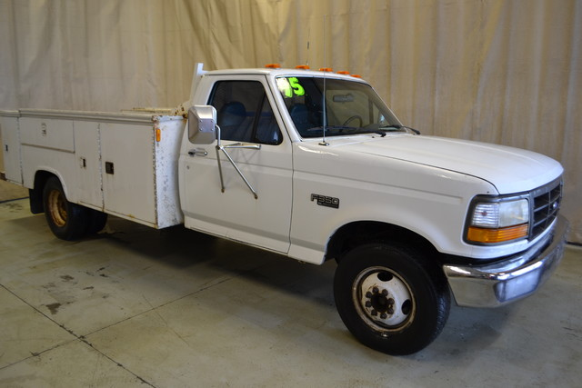 1995 Ford F-350 Chassis Cab Roscoe, Illinois 0