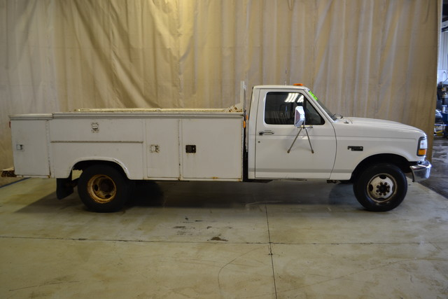 1995 Ford F-350 Chassis Cab Roscoe, Illinois 1