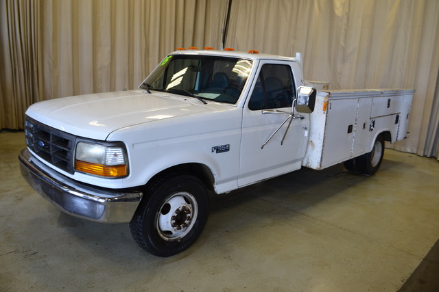 1995 Ford F-350 Chassis Cab Roscoe, Illinois 2