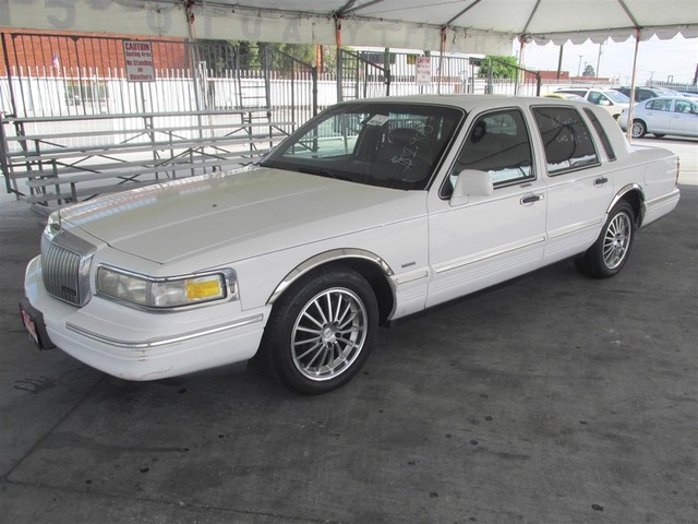 1995 Lincoln Town Car Executive Please call or e-mail to check availability All of our vehicles
