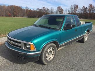 1996 Chevrolet S-10 LS Ravenna, Ohio