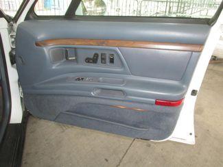 1996 Oldsmobile 98 Regency Elite Series I - 1SB Gardena, California 12