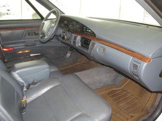 1996 Oldsmobile 98 Regency Elite Series I - 1SB Gardena, California 7