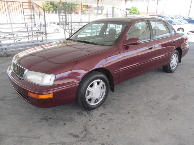 1996 Toyota Avalon XLS wBench Seat Please call or e-mail to check availability All of our vehi