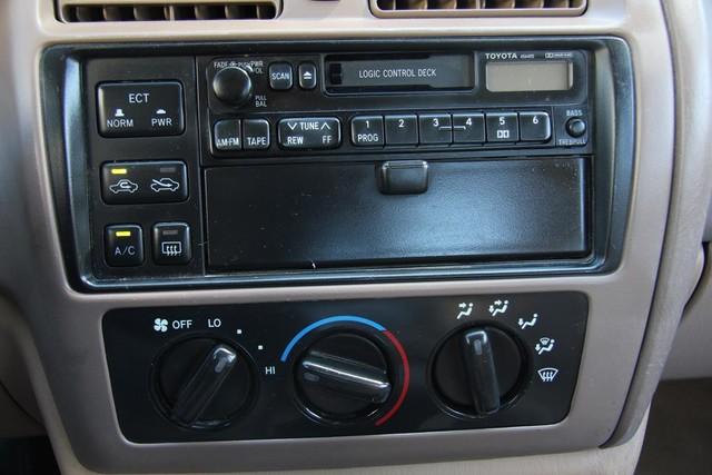 1996 Toyota Avalon XL w/Bucket Seats Santa Clarita, CA 18