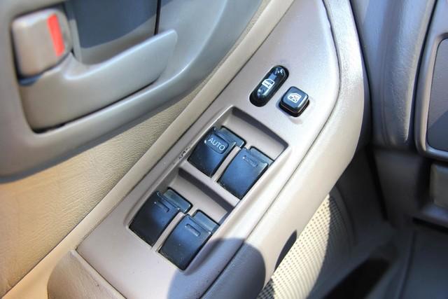 1996 Toyota Avalon XL w/Bucket Seats Santa Clarita, CA 21