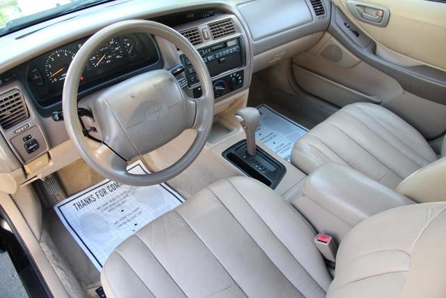 1996 Toyota Avalon XL w/Bucket Seats Santa Clarita, CA 8