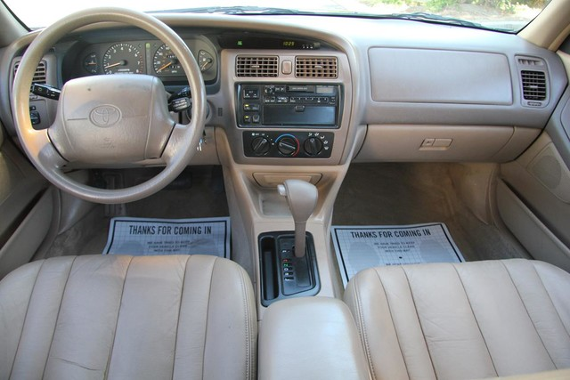 1996 Toyota Avalon XL w/Bucket Seats Santa Clarita, CA 7