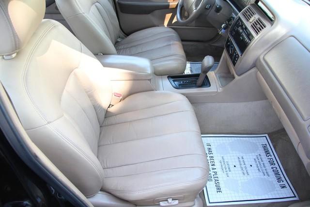 1996 Toyota Avalon XL w/Bucket Seats Santa Clarita, CA 14