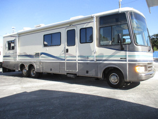 1997 Fleetwood Pace Arrow 34K Hudson, Florida
